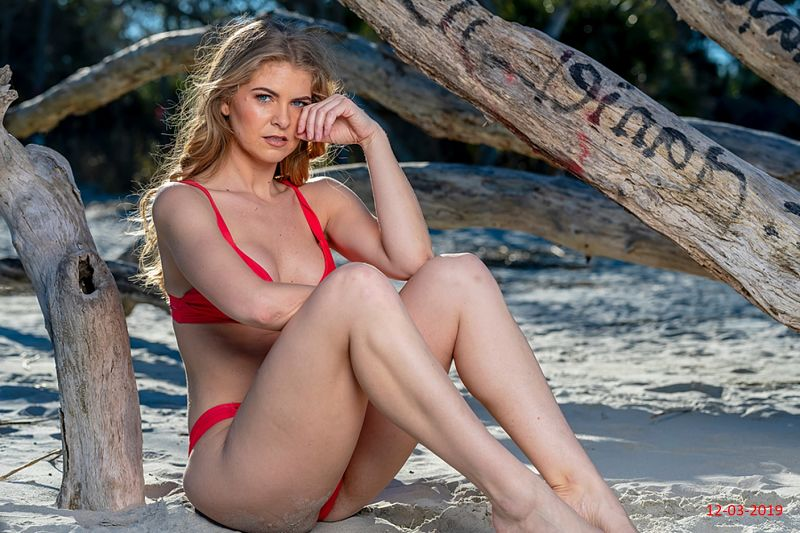 My red thong bikini, the first time I wore it on vacation. Learn how it felt, my feelings, other people's reactions.