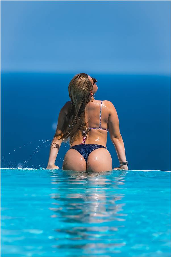 Rear view first time wearing a thong bikini for Lindsay