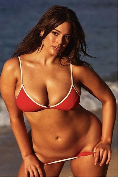Ashley once again shwoing off her luscious curves and sexy plus size full figure in a red sport thong bikini. This is a stunning thong bikini shot of Ashley.