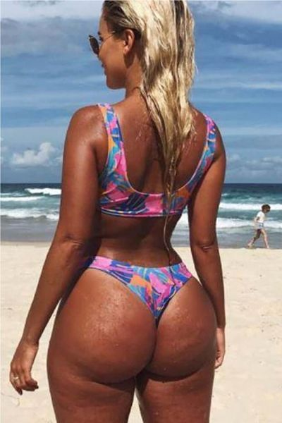 Karina Irby no photo shop showing off her ample booty